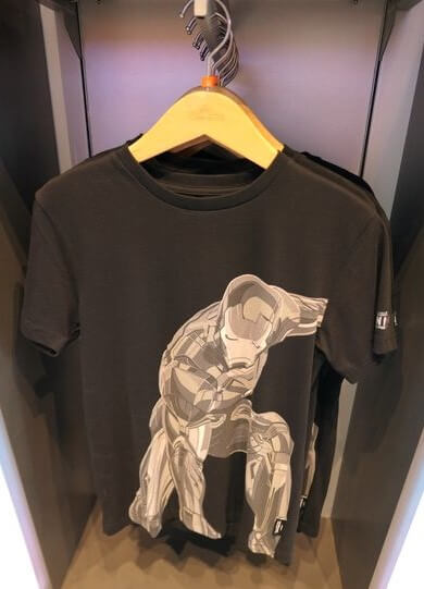 香港ディズニーランド:アイアンマンのTシャツ