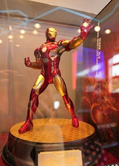 香港ディズニーランド:アイアンマンのフィギュア