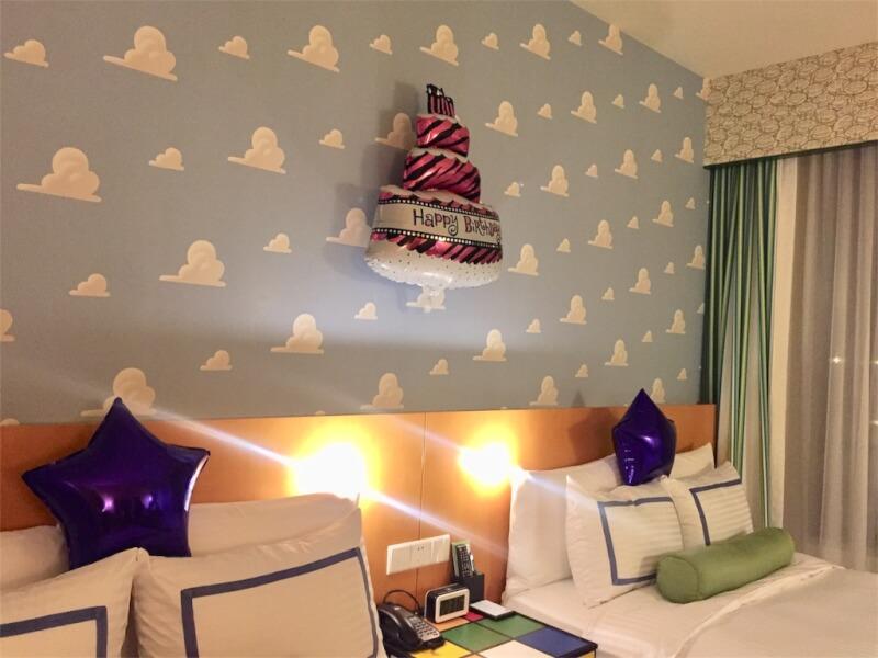 上海ディズニーランドのトイ・ストーリー・ホテルのバースデーデコレーション