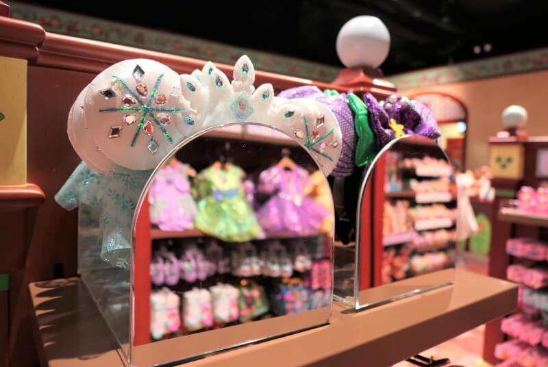 香港ディズニーランドのプリンセスグッズはお土産にもおすすめ:エルサ、アリエルのカチューシャ