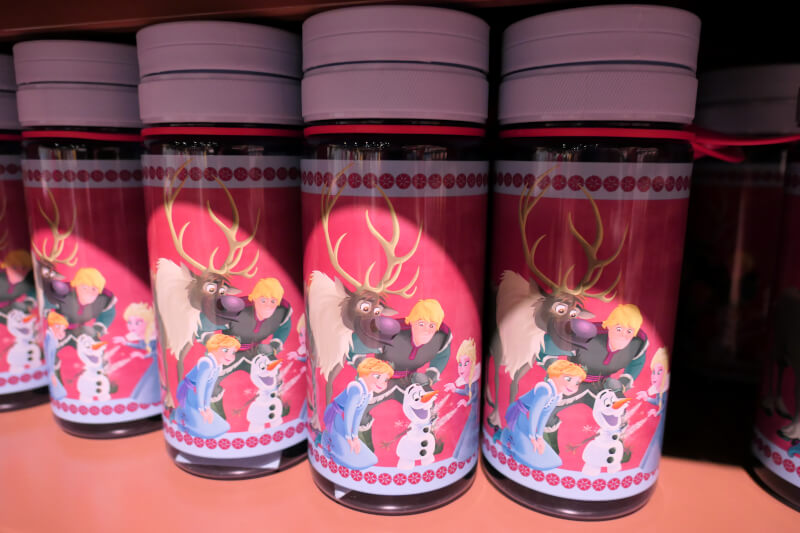 香港ディズニーランドのプリンセスグッズはお土産にもおすすめ:アナとエルサのタンブラー
